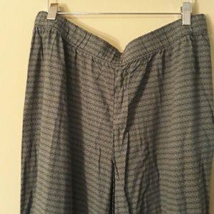 GAP Pants - Gap Wide Leg Black / Green Pant NEW Size L